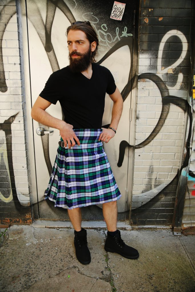 GRAHAM DRESS TARTAN KILT-right