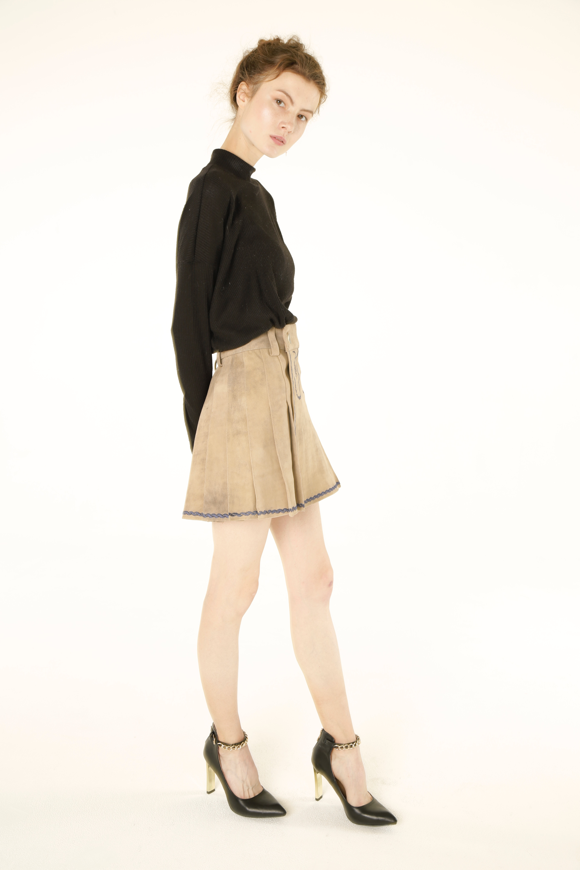 Women Bavarian Leather Kilt right