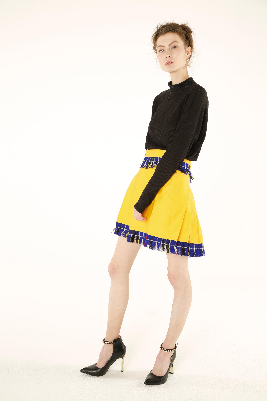 women_stylish_kilts left