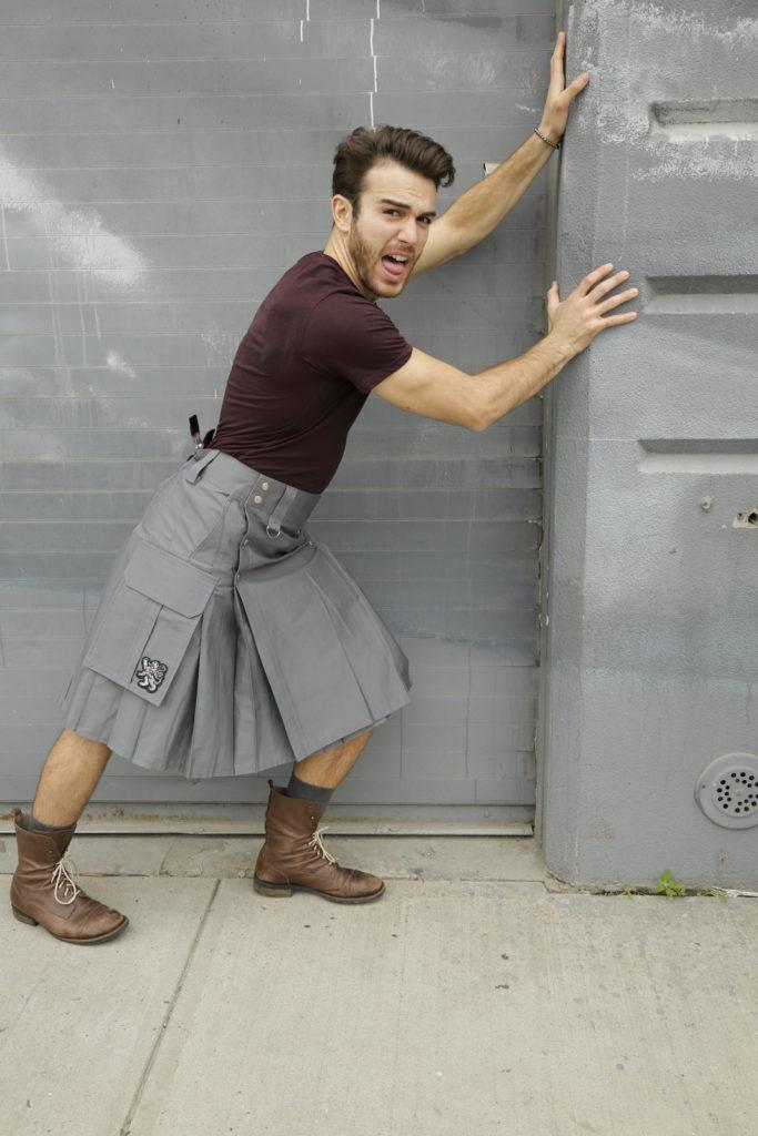 Slash Pocket Kilt for Elegant Men-right