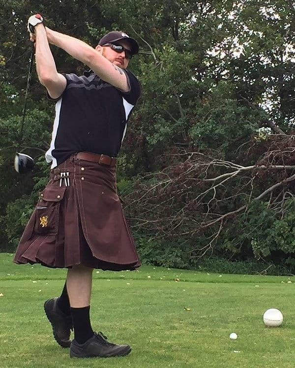 playing-gold-with-cargo-kilt-
