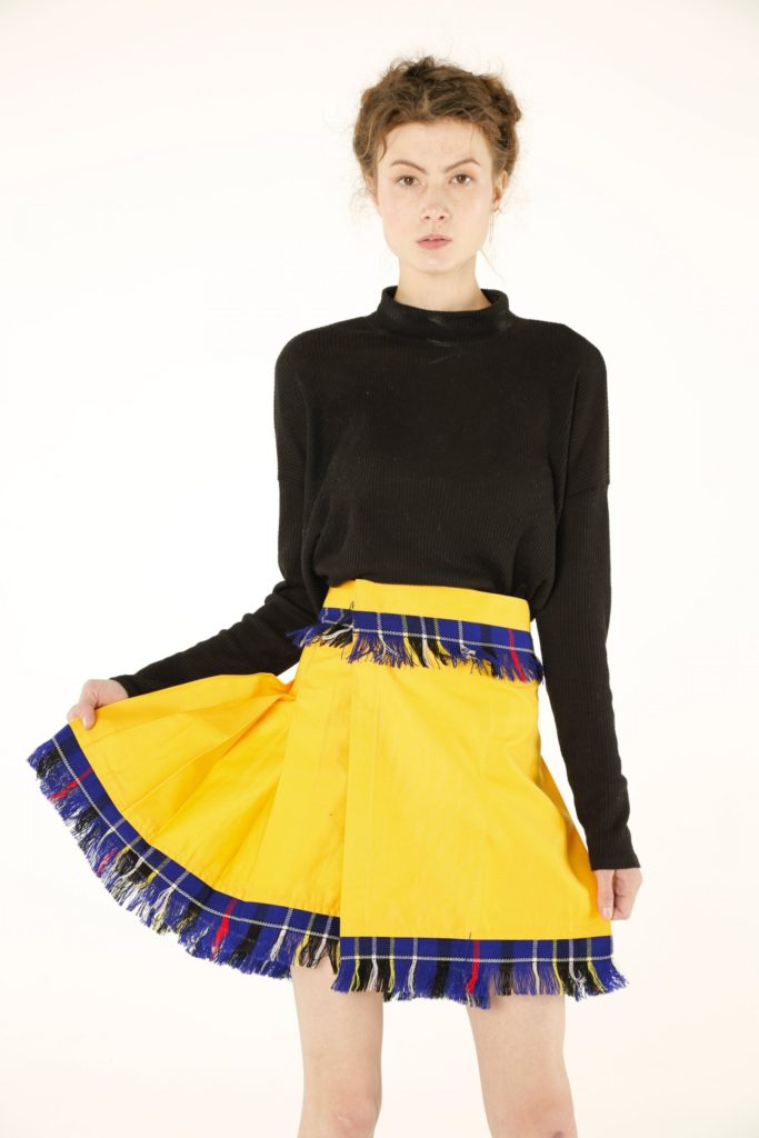 women_stylish_kilt front