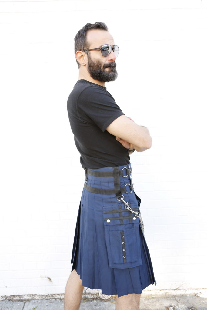Fashion Kilt For Stylish Men-right