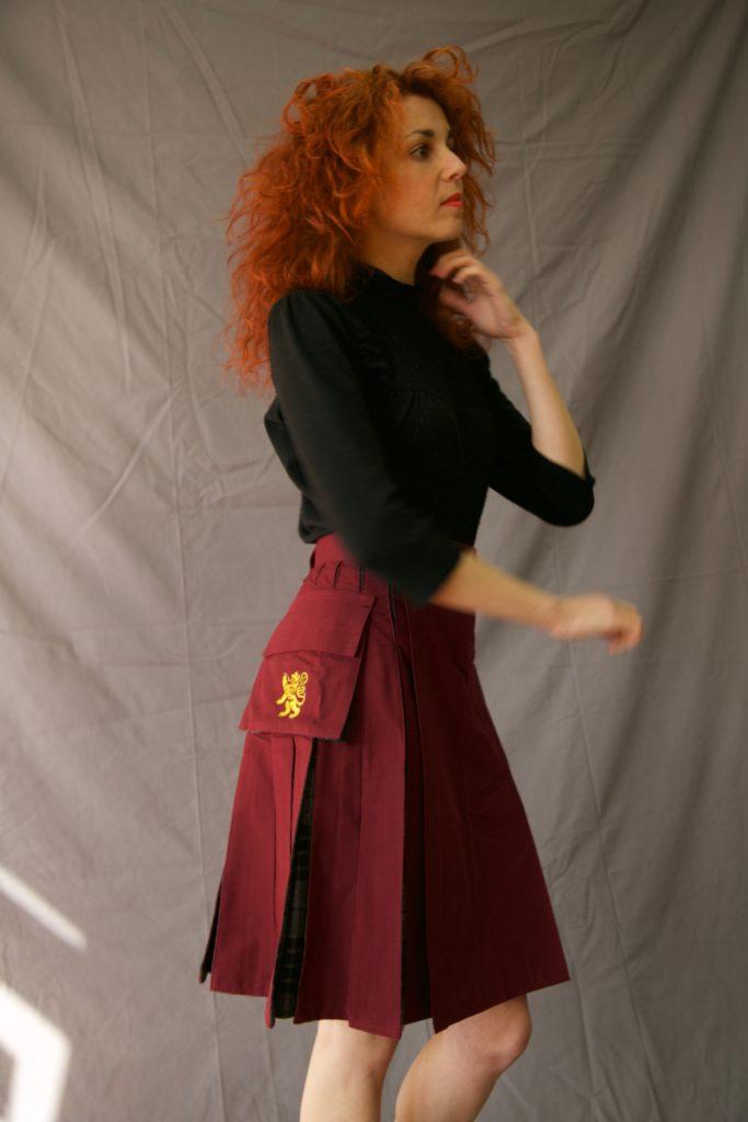 deluxe_hybrid_kilt_for_women_-_tartan_box_pleated_right