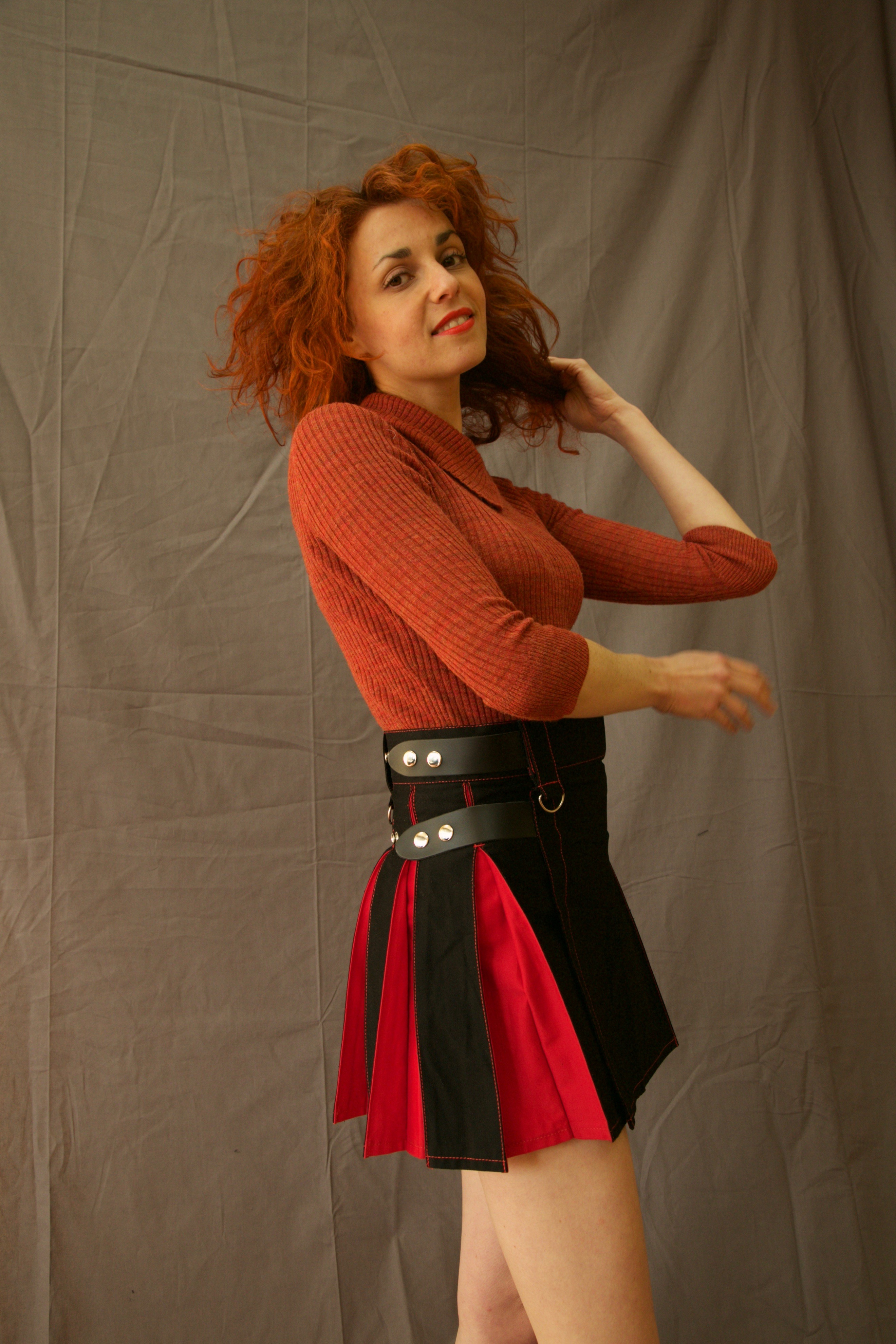 MIX & MATCH HYBRID KILT WITH FRONT POCKET RIGHT