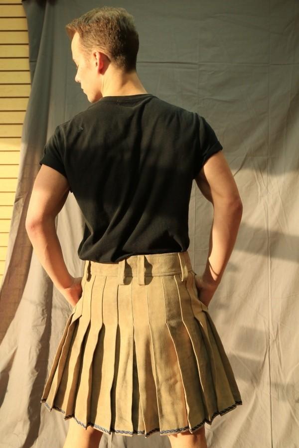leather_kilt_back